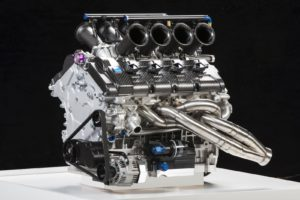 volvo-shows-50-liter-v8-engine-for-australian-v8-supercar-championship_4