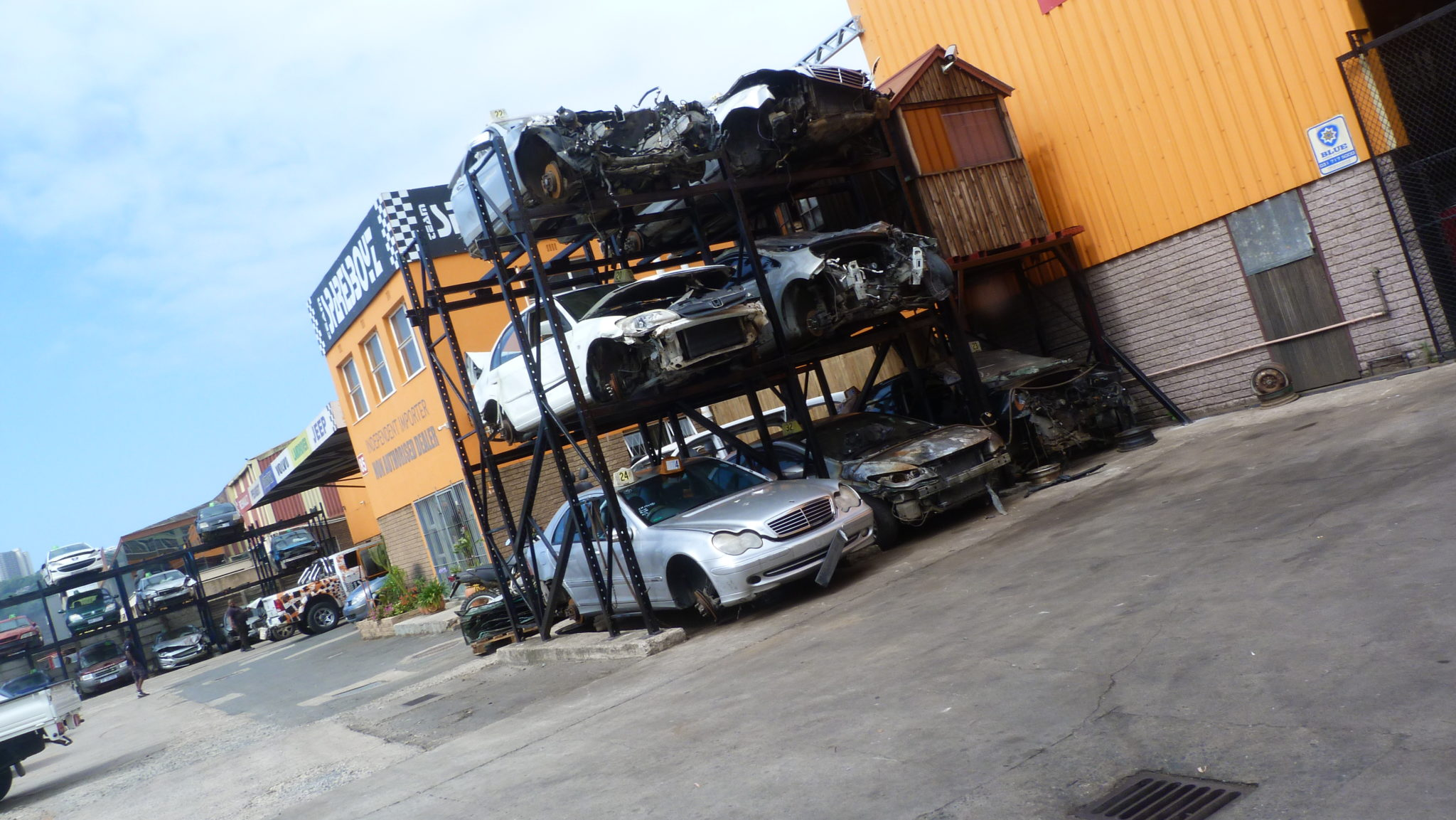 Scrap yard car parts quality used parts spares boyz group for Mercedes benz scrap yard