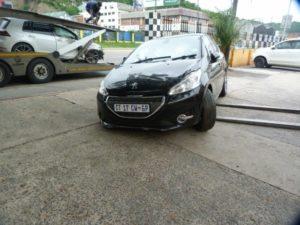 P377 Peugeot 208 1.2 vti active 5door black